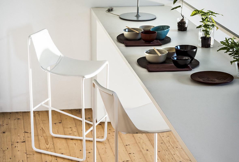 Sedie e sgabelli per soggiorni e cucine arredamento for Sedie e sgabelli